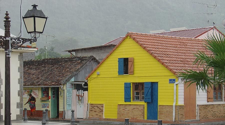 Creole houses and traditional architecture in martinique martinicaonline - Houses bucovina traditional architecture ...