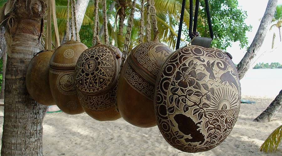 artisan of calabash in Martinique