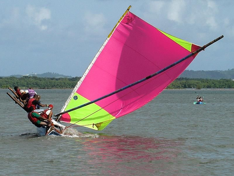 yoles and gommier sailing school in Martinique