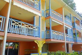 apartment_studio_paprika_and_qualao_ste_anne_martinique_001