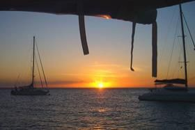 maxi_catamaran_cruise_grenadines_002